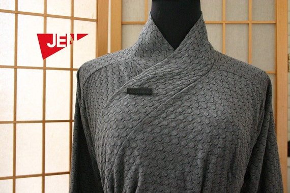 Japanese inspirited grey multiway to wear top with belt.