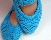Hand knitted blue shoes / socks / slippers / booties