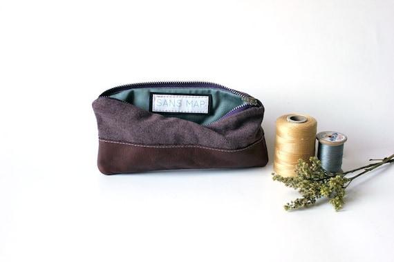 repurposed vintage wool pencil case zip pouch leather vintage lining // la trousse