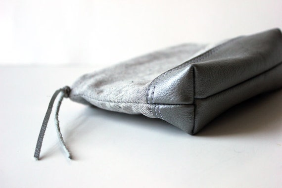 sweet pouch leather handmade zip pouch case // la trousse