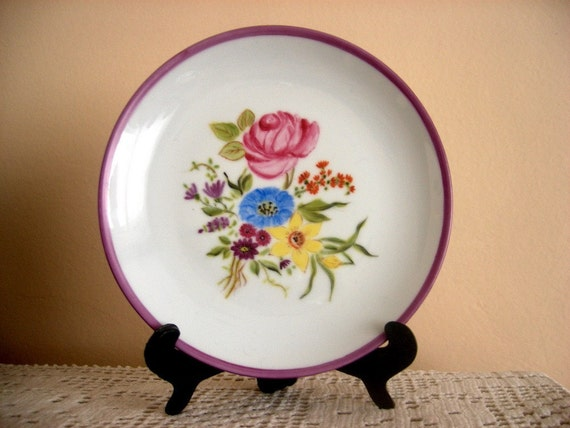 Hand Paint Floral  Plate, Spring Home decoration, Romantic Flower Bucket