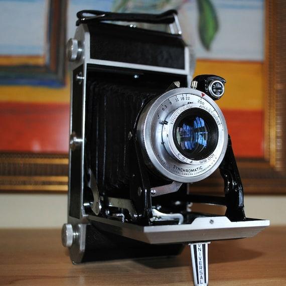 Vintage Universal Roamer 63 Camera medium format ( price reduced)