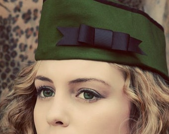 Steampunk Military Hat with Bow Dieselpunk Army Vintage Style WWII Flight Cap Garrison Hat Wedge Cap Unisex Mens Womens Green
