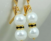 Pearl Drop Bridal Earrings in Gold, White Pearls and Emerald Green Crystals, Wedding Jewelry, Clairette Collection