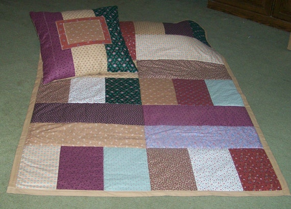 Quilt and pillow set