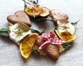 Sweet Dried Fruit Wreath with Apples and Oranges