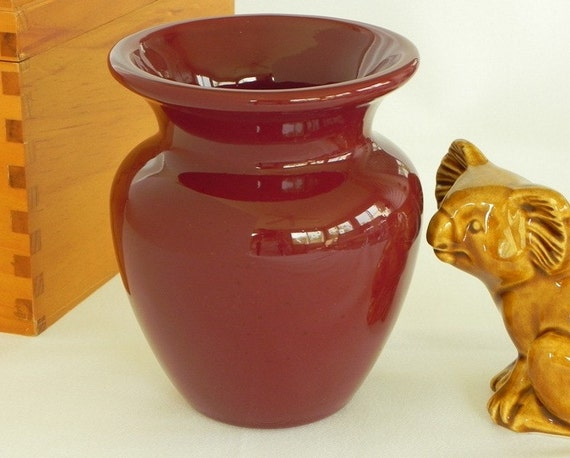 Vintage Haeger Burgundy Vase. Glossy Glaze.
