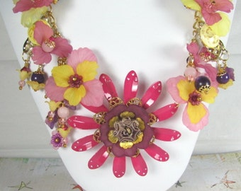 """Necklace """"Pretty in Pink""""  Vintage Lucite Assemblage Necklace SALE PRICED reduced 35%"""