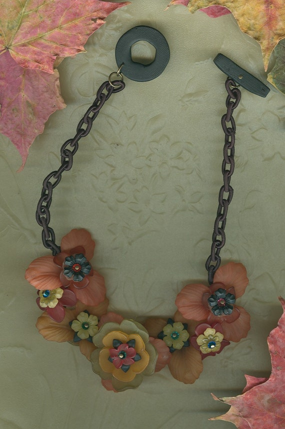 Lucious Lucite Necklace FREE SHIPPING