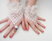 Sale of 50% Ivory Wedding Gloves/ Ivory Lace Bridal Gloves/ floral Wedding Accessory
