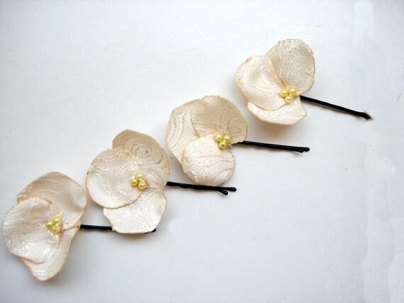 Cream Flower Hair pins bridal party 4 pcs wedding hair Set