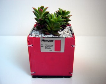 DISK-PLANTER Earth Day - Eco-Friendly Recycled Repurposed 2HD diskette planter RED
