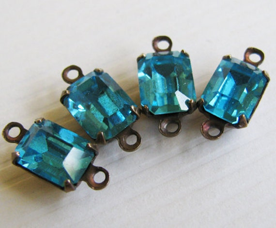 Vintage Jewels Aquamarine Octagon Connector Glass Rhinestones - Faceted Stones - Hand Antiqued Brass Settings - 8x6mm