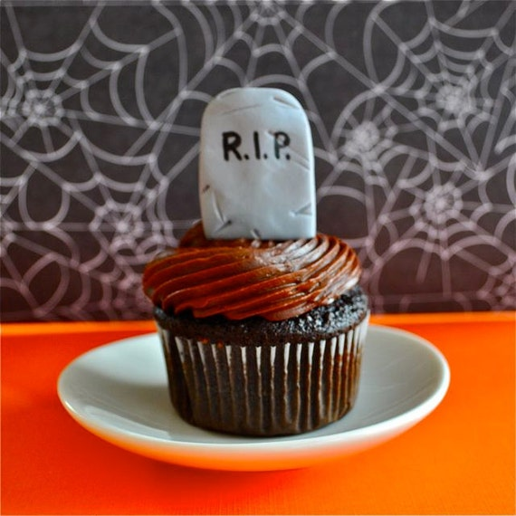 3D Tombstone Fondant Cupcake Toppers for Halloween Parties and Other ...