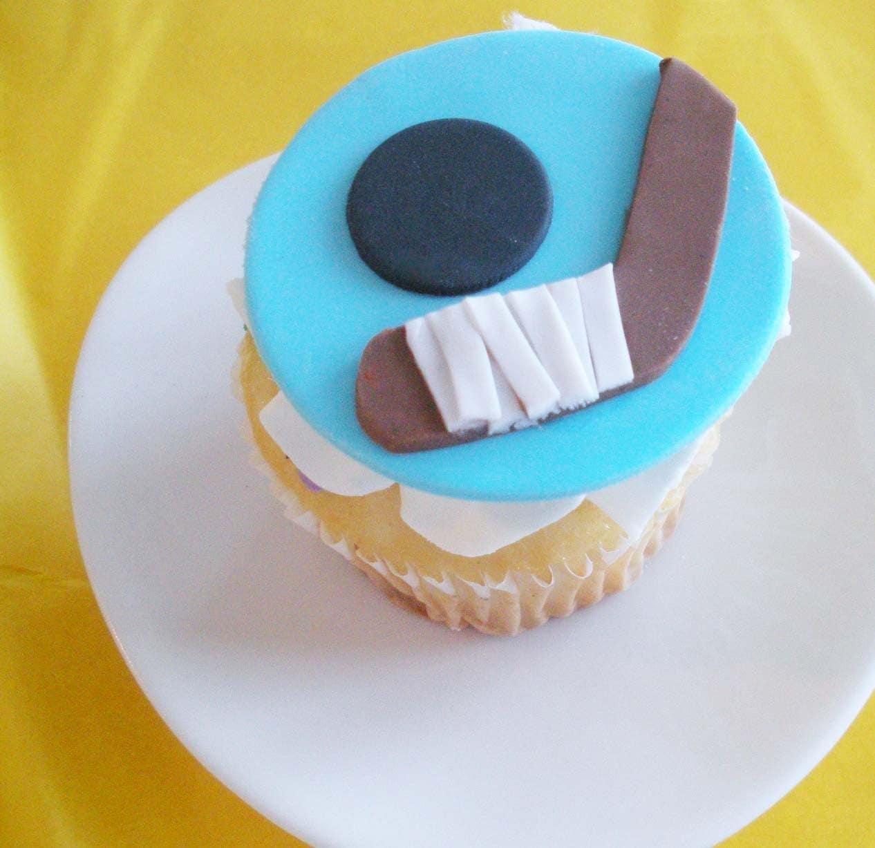 Cupcake Decorating Ideas Hockey : Hockey Fondant Cupcake Toppers for Boy Birthdays or Sports