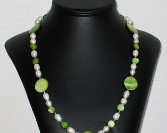 Freshwater Pearl and Green MOP Circle Necklace