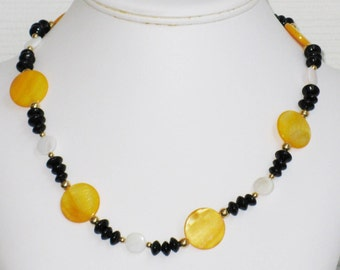 Yellow and White Mother of Pearl Disc Necklace