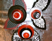 Red White and Black Button Flower Magnets ~ Desk Accessory ~ Inexpensive Gift ~ Girls Bedroom Decor ~ Unique Gift ~ Repurposed Buttons