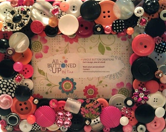 SALE ~ Black White Pink and Orange Button Frame ~ Girls Decor ~ Gift for Her ~ Shower Gift ~ Nursery Decor ~ Retro Frame ~ for 4x6 Photo