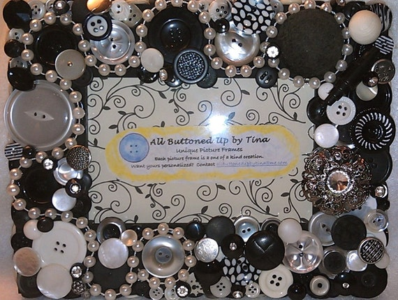 "Black & White Button Picture Frame for 4""x6"" photo"