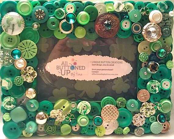 """St. Patrick's Day Shamrock Button Picture Frame in Greens for 4""""x6"""" photo"""