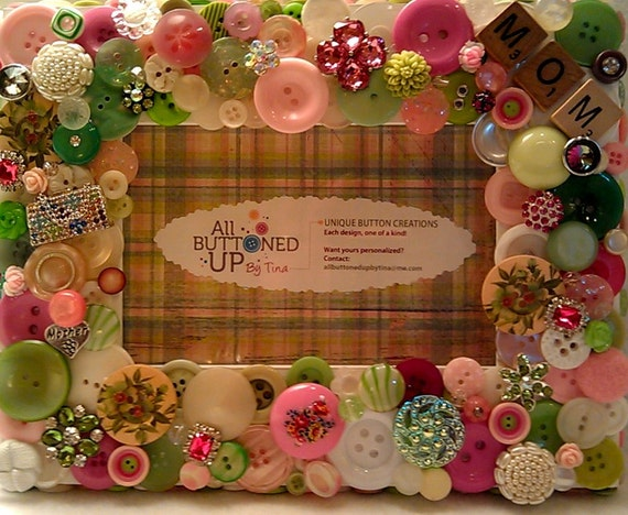 """Mother Themed Pink & Green Button Picture Frame for 4""""x6"""" photo"""