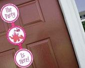 Dinosaur Girl Welcome Door Sign Party Printable - Stick to Your Story