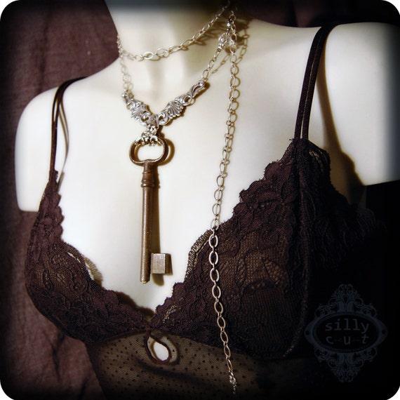 necklace - GATEKEEPER I -  victorian, neovictorian, antique skeleton key, extra long necklace, dark romance, gothic, steampunk