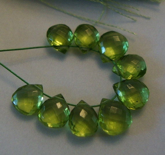 Sweet Sweet Hearts   AAA Sweetest Baby Peridot  Faceted Heart Briolettes 12 Beads