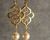Pearl and Oriental Gold Bridesmaid Earrings, Wedding Earrings, Bridal Earrings, Bridesmaid Gift (4215G)