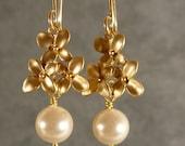 Pearl Cherry Blossom Dangle Gold Bridesmaid Earrings, Pearl Earrings, Gold Earrings, Bridesmaid Jewelry, Wedding Earrings (3488Wnr)