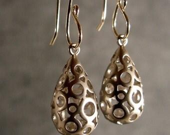Silver Circle Baubles Earrings, Bridesmaid Earrings, Silver Earrings, Silver Bridesmaid Earrings, Wedding Earrings (4650)