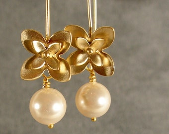 Gold earrings, Pearl and Gold Flowers Earrings (4277)
