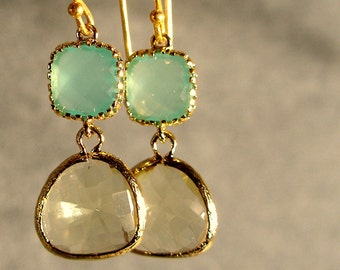 Light Mint and Jonquil Glass Gold Earrings, Bridesmaid Earrings, Wedding Earrings, Bridesmaid Jewelry (4570W)