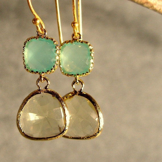 Light Mint and Jonquil Glass Gold Bridesmaid Earrings, Wedding Earrings, Bridesmaid Jewelry, Gold Earrings (4065)