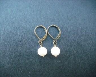 Bridesmaid earrings, Antique Brass Pearl Earrings, freshwater pearl earrings, Wedding Gift, Bridesmaid Gift, Birthday Gift