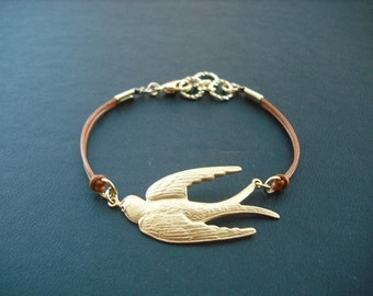 gliding bird bracelet