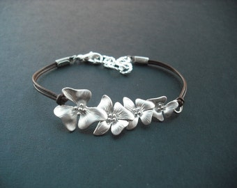 Bridesmaid Bracelet, Silver Bracelet with Fourfold Flowers