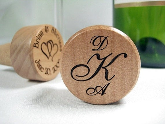 1 Personalized Engraved Wine Bottle Cork Topper Stopper Monogram Wood Party Wedding Favor