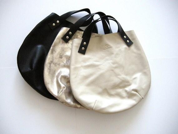 Little leather  basket  bag - of white