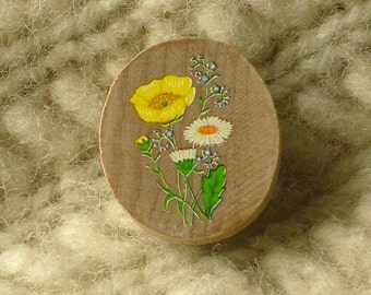 buttercup and daisy wildwood flower wooden brooch