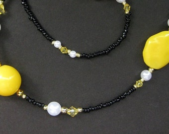 Beaded Lanyard. Yellow ID Lanyard. Banana Yellow Glasses Lanyard. Student Lanyard. Lemon Yellow Eyeglass Necklace. Black Handmade Lanyard.