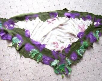 Triangle felt shawl