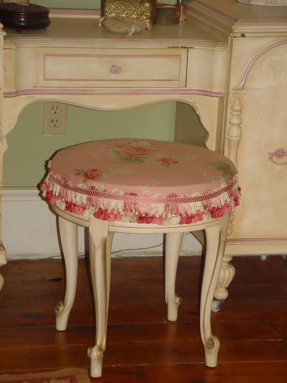 Antique French Vanity Bench Cabriole Leg Shabby Chic Pink