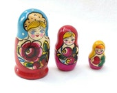 Matreshka matryoshka babushka Russian Wooden ecofrendly Doll - red blue, flower ornament 3 pcs 10 cm, home decor toys