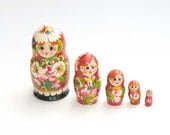 Matreshka matryoshka babushka Russian Wooden ecofrendly Doll - red white daisy flower ornament 5 pcs 10 cm, home decor toys