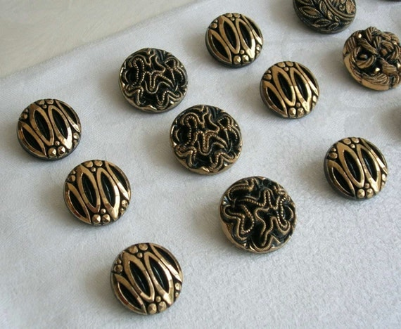 VINTAGE - 15 large gorgeous glass buttons with fine golden trim - different versions -