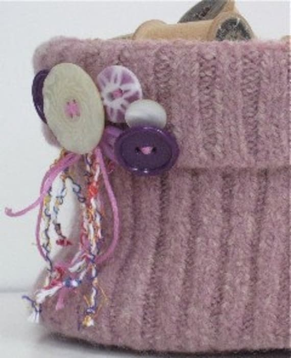 Dusty Pink Felted Wool Bowl\/Basket\/Vintage Buttons