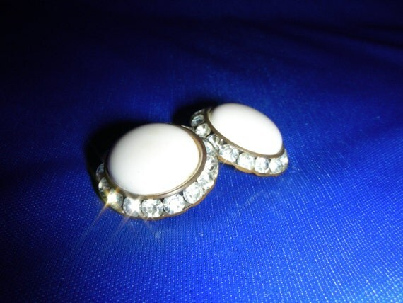 Showstopping Vintage Glam Rhinestone and White Earclips Extra Bling Jewelry