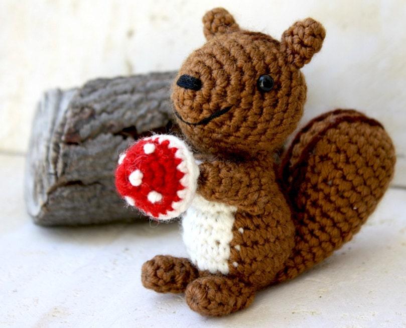 Amigurumi Squirrel Crochet Pattern : Chandeliers & Pendant Lights